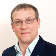 Implantologas ir protezuotojas Valerijus Makarovas