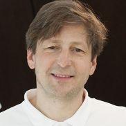 Gydytojas veido ir žandikaulių chirurgas Julius Spruogis